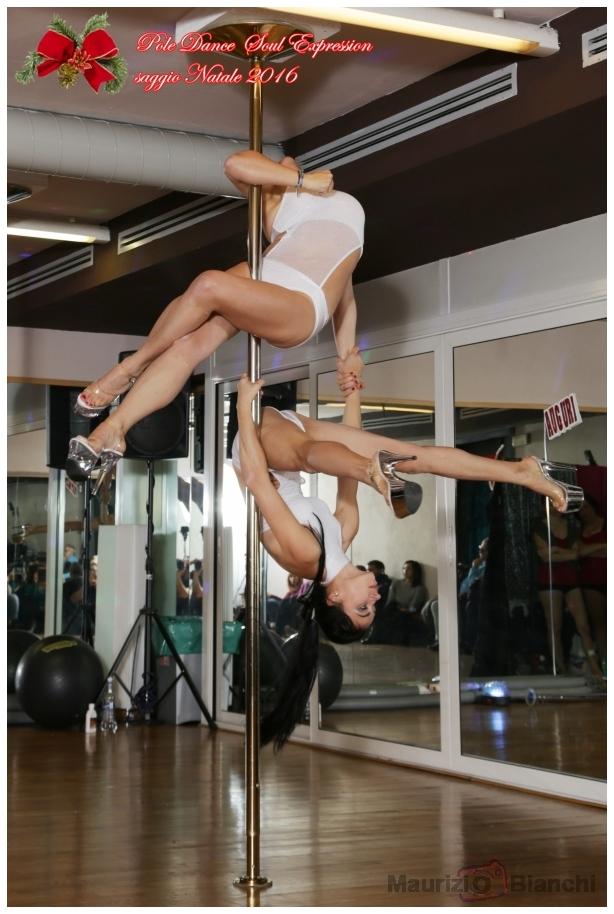 Pole Dancer sito di incontrigratis incontri Plattform Schweiz